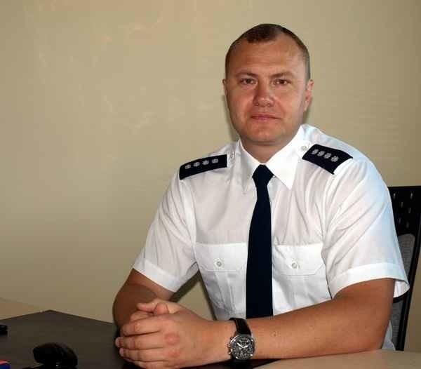 Od wczoraj komendantem miejskim policji jest 38-letni nadkom. Jarosław Pasterski. To policjant z 14-letnim stażem, który kilka lat kierował w naszej komendzie wojewódzkiej sekcją do walki z korupcją.