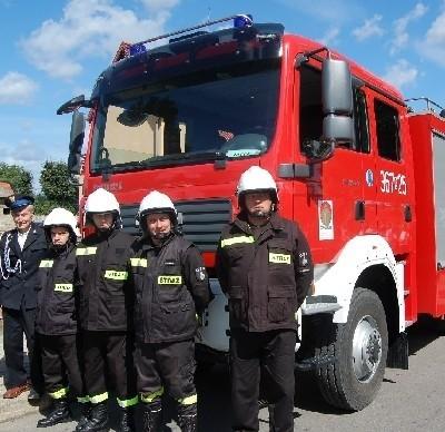 Strażacy z Nowogrodu doczekali się nowoczesnego samochodu...