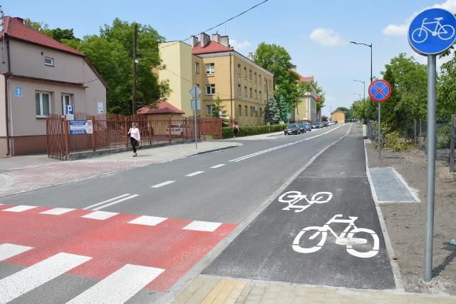 Ulica Dąbrowskiego to teraz gładka, wygodna arteria, która w przyszłości będzie mini obwodnicą wiekowego osiedla Rozwadów