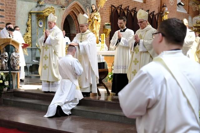 Czerwiec to miesiąc personalnych zmian wśród duchownych. Zmian w kościołach w Kujawsko-Pomorskiem - w diecezji bydgoskiej, toruńskiej i włocławskiej jest sporo.