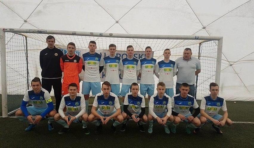 Piłkarze Hutnika Kraków są wydatnie wspierani również przez...