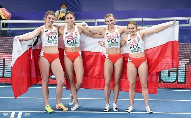 Brązowe medalistki HME w sztafecie 4x400 m, pierwsza z prawej Aleksandra Gaworska