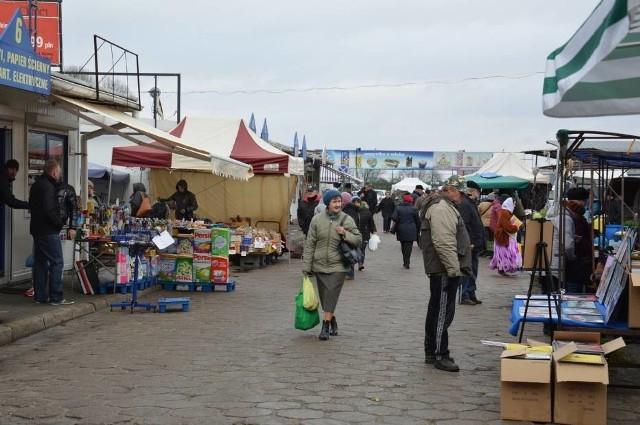 Miejskie targowisko w Łowiczu