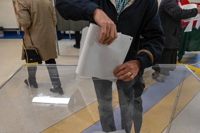 13.10.2019 - wybory do Sejmu i Senatu 2019 - obwodowa komisja wyborcza nr 8 w Sopocie