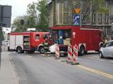 Wypadek w centrum Łodzi. Zderzenie samochodów osobowych. Na miejscu służby. Korki [ZDJĘCIA]