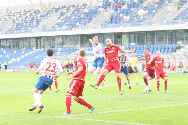 Trener Robert Podoliński i jego drużyna Podbeskidza żegnają się z Ekstraklasą.