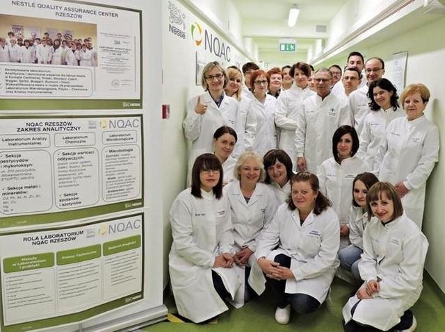 Centrum badawcze Nestlé rozwija się w RzeszowieJedno z takich najnowocześniejszych w Europie centrów badawczych działa w Rzeszowie. Należy ono do Nestlé Polska S.A.