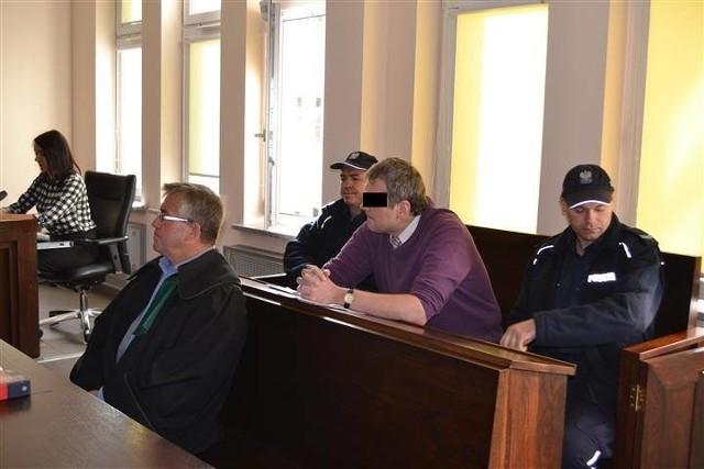 Drużynowy pedofil został skazany na 8 lat więzienia za wykorzystywanie harcerek