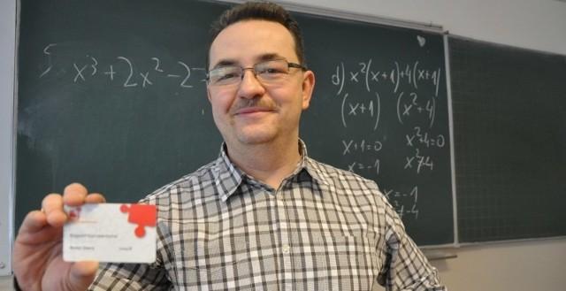 - Zachęcam wszystkich: rejestrujcie się, wyróbcie taką kartę dawcy szpiku. Możecie uratować komuś życie!_- mówi Krzysztof Kachel, nauczyciel matematyki z ZSP nr 2 w Kluczborku, dwukrotny dawca szpiku kostnego.