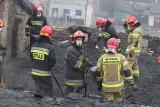 Pożar w Rudzie Śląskiej. Spłonęła kamienica i ludzie stracili dach nad głową. Ewakuowano 23 osoby, wśród nich są dzieci. Gdzie będą mieszkać