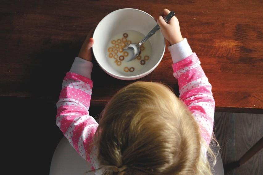 Poranek zaczęty od płatków z mlekiem?...