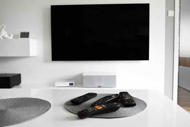 Tyle będzie wynosił abonament RTV w 2022 roku. Krajowa Rada Radiofonii i Telewizji ustaliła stawki abonamentu RTV na przyszły rok. Zobacz, ile będzie trzeba zapłacić. Szczegóły na kolejnych stronach ---->
