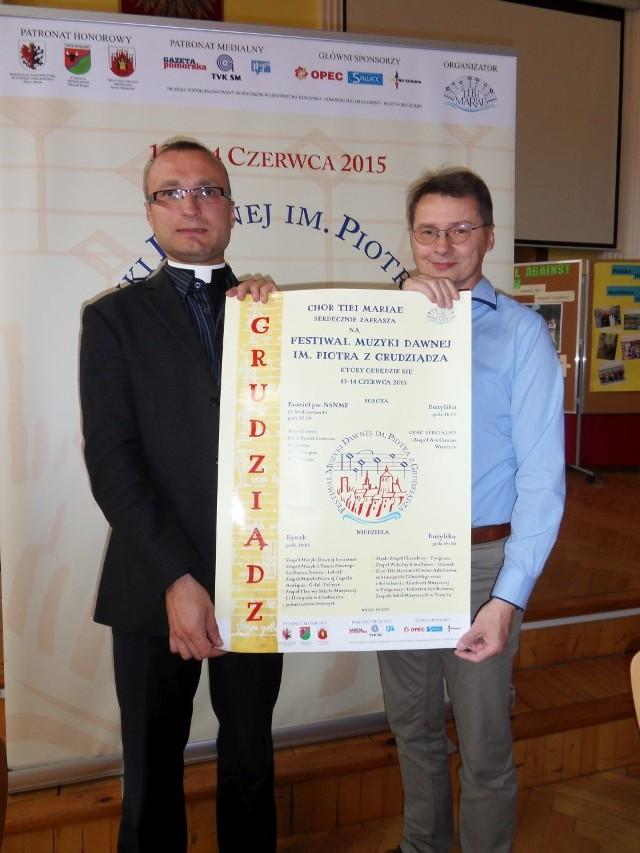 Ks. Paweł Śmierzchalski i Remigiusz Józefowicz: - Podczas festiwalu będziemy mogli posłuchać różnych zespołów z regionu