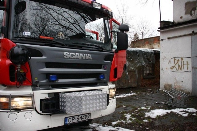 Strażacy znaleźli ciało w pustostanie przy Oleskiej.