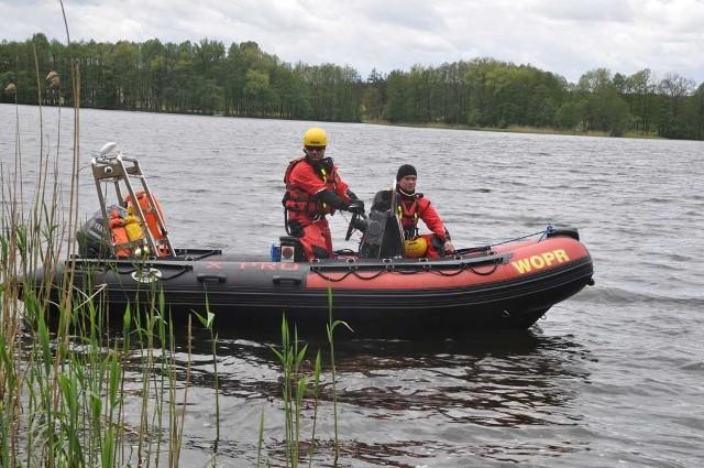 Zaginiony białogardzianin, którego od kilu dni szukano w jeziorze Trzesiecko w Szczecinku znalazł się. Cały i zdrowy w rodzinnym Białogardzie.