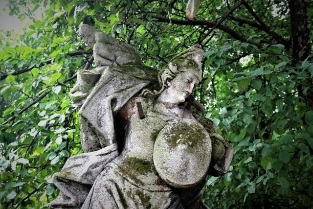 Rzeźba archanioła z ulicy Ogrodowej w Zamościu