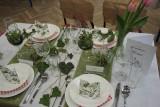 Jak pięknie nakryć stół? Zobacz pomysły uczniów z Gastronomika. Aranżacje rodem z natury, baśni lub filmu