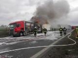 Pożar ciężarówki na A4. Samochód przewoził kosmetyki, utrudnienia na opolskim odcinku autostrady