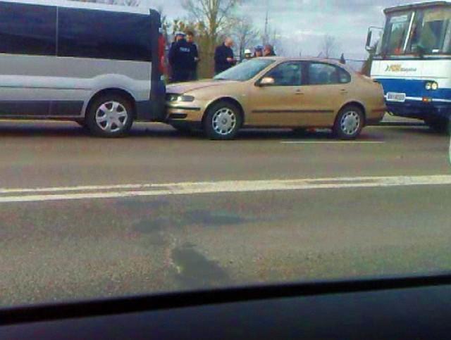 Zderzenie czterech aut na ulicy Poleskiej w Białymstoku