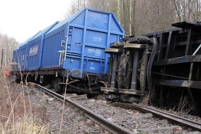 W 2013 r. między stacją Rogóźno i Grudziądz Owczarki wykoleił się pociąg. Konieczna była wymiana ok. 100 m. torowiska