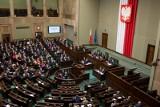 Sejm wznowił obrady [TRANSMISJA NA ŻYWO] Poseł Kukiz'15: Za grudniową akcję odpowiada Nowoczesna