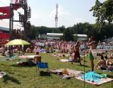 Tłumy na kąpieliskach. Igły nie wciśniesz, pełne parkingi