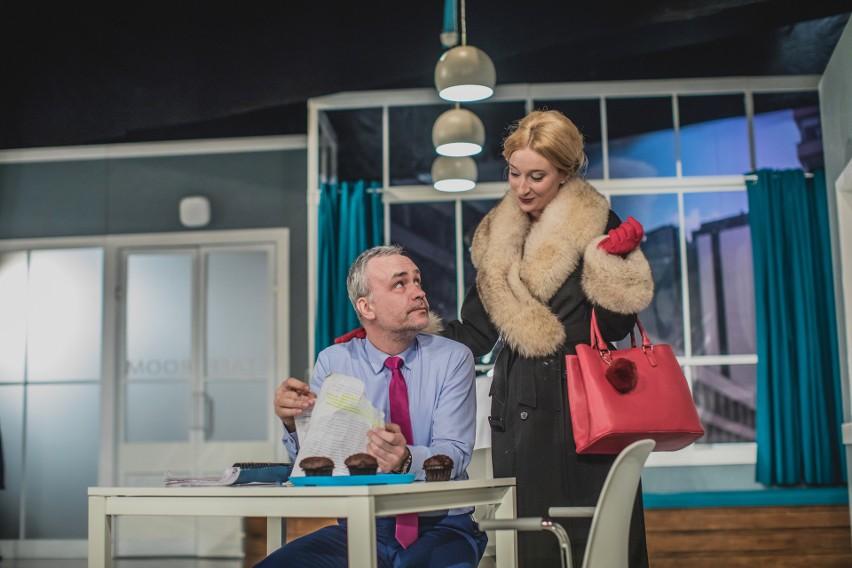 Janusz German jako doktor David Mortimor i Marta Jarczewska w roli jego małżonki w scenie z przedstawienia