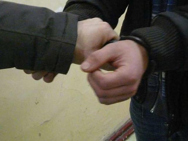 Mieszkańcy złapali złodzieja i przetrzymali go do czasu przyjazdu policjantów.