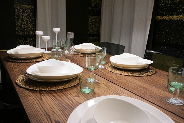 Stół do jadalniStół jest sercem domu. Przy nim nie tylko jemy posiłki, ale również rozmawiamy i spędzamy wspólnie czas.