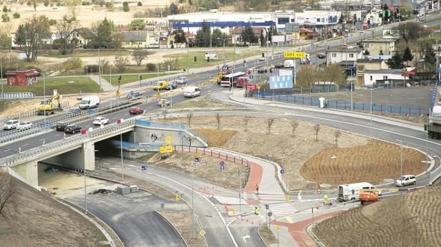 Otwarcie kilku łącznic to jeden z ostatnich etapów prac obok budowanego marketu IKEA.
