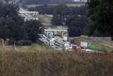 Zablokowana autostrada A4 w stronę Wrocławia. Przewróciła się laweta