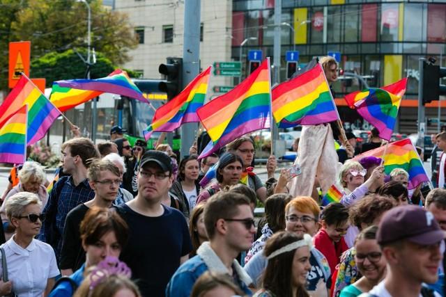 Marsze Równości odbywają się w wielu miastach Polski. Ostatnio np. w Szczecinie