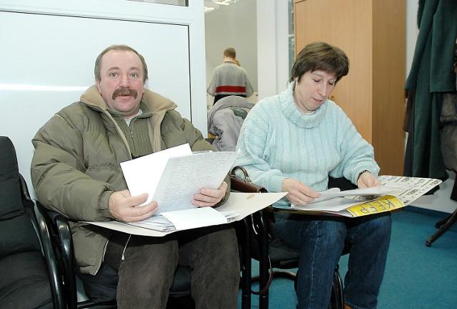 Andrzej Andrzejewski i Krystyna Bałka domagają się przywrócenia do pracy i wypłaty równowartości pensji za cały okres, kiedy są bezrobotni.