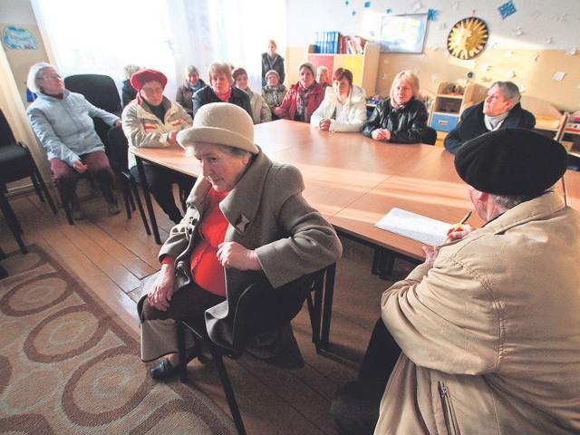 """Mieszkańcy Zieleniewa podczas zebrania uradzili, że chcą jeszcze spróbować zawalczyć o swoją komunikacyjną """"kołobrzeskość""""."""