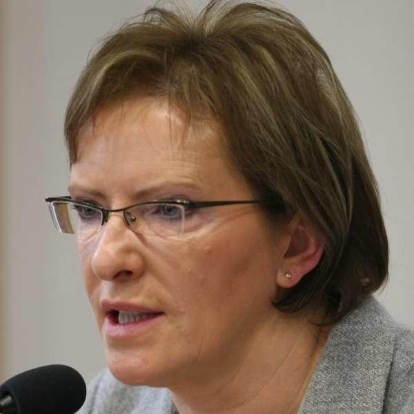 - Oceniając oddziały NFZ będziemy brać pod uwagę jakość ich pracy, liczbę prospołecznych akcji, dobre gospodarowanie pieniędzmi - mówiła Ewa Kopacz.