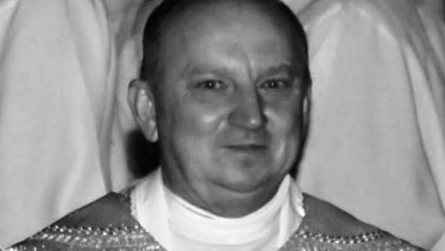 Ks. Mieczysław Grabowski był proboszczem parafii w Słotwinie od 2006 roku. Zmarł w wieku 58 lat.