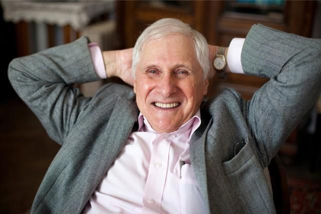 Prof. Jerzy Vetulani, 79-letni biochemik, neurobiolog, uczony od mózgu i od popularyzowania nauki. Znany z wyrazistych poglądów i entuzjazmu, z jakim przekazuje wiedzę. Teraz napisał książkę z naszą dziennikarką
