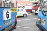 Tramwaj linii 6 zderzył się z samochodem osobowym