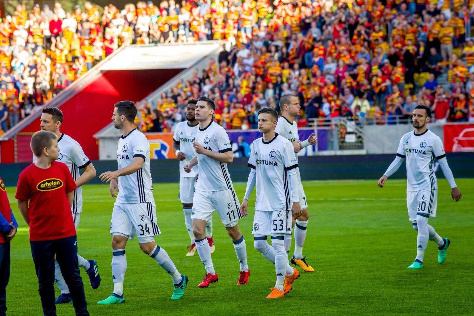 fb2bad490 Komisja Ligi: Legia ukarana, bo piłkarze opóźnili wejście na boisko ...