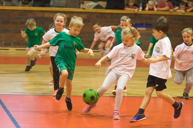 W środę (20 listopada) w słupskiej hali Gryfia odbyły się mistrzostwa Słupska przedszkolaków w piłce nożnej. Zobacz fotorelację!