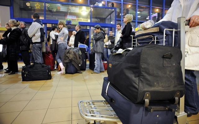 Ze względu na strajk Ryanair kłopoty mogą mieć pasażerowie, którzy kupili bilet na lot liniami Ryanair. Zarząd Ryanair nie osiągnął porozumienia ze związkami zawodowymi stewardess, co doprowadziło do akcji protestacyjnych w lipcu we Włoszech, Hiszpanii, Portugalii i Belgii i Niemczech.