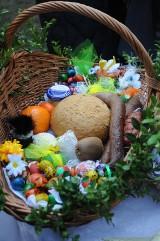 """Akcja """"Koszyczek Wielkanocny"""" w Niepołomicach. Dary od mieszkańców trafią do osób potrzebujących"""