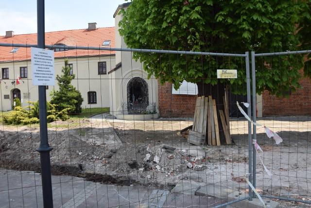 Zobaczcie jak zmienia się otoczenie podominikańskiego klasztoru