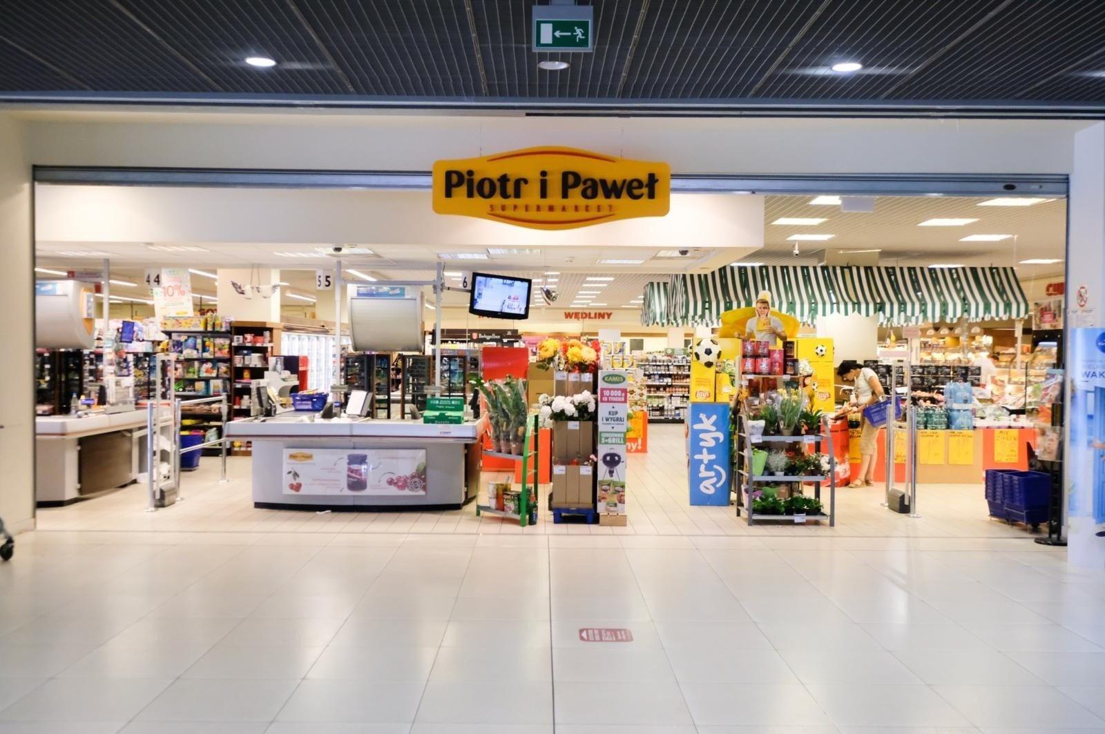 0734b2a7 <strong>Sklepy Piotr i Paweł zmieniają się w sklepy Biedronka. Już od  października