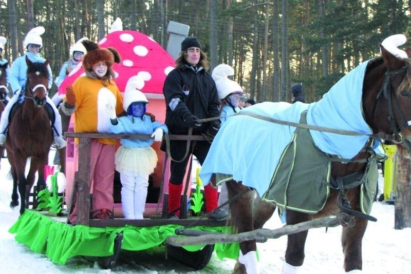 – Liczy się dla nas zabawa – mówiła Agnieszka Winkler, właścicielka stadniny koni w Żarnowie. – Dlatego nagrodę przekazujemy na rzecz chorego dziecka.