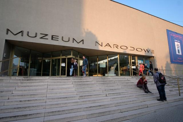 Zastępca dyrektora Muzeum Narodowego w Poznaniu popełnił przestępstwo? Wg oceny agentów CBA, Muzeum Narodowe miało stracić przez jego działanie 2 mln zł.