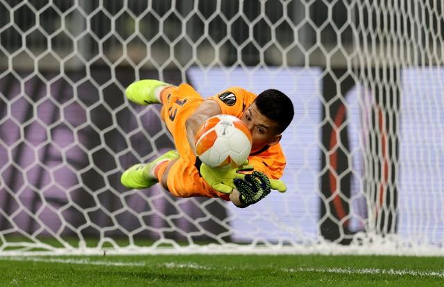Gerónimo Rulli, argentyński bramkarz Villarrealu CF, który obronił decydujący rzut karny wykonywany przez Davida de Geę w finale Ligi Europy w Gdańsku (26.05.2021)