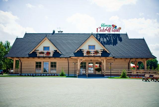 Karczma Cuda Wianki znajduje się w Karszówce i wygrała w kategorii zajazdy. Lokal położony jest w na malowniczej polanie.
