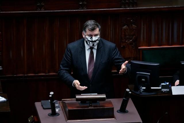 Poseł Konfederacji Artur Dziambor podczas posiedzenia Sejmu 21.10.2020