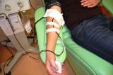 Pokonałeś koronawirusa? Oddaj osocze i pomóż innym. Zabieg jest bezpieczny i trwa około pół godziny, zobacz jak wygląda [ZDJĘCIA]
